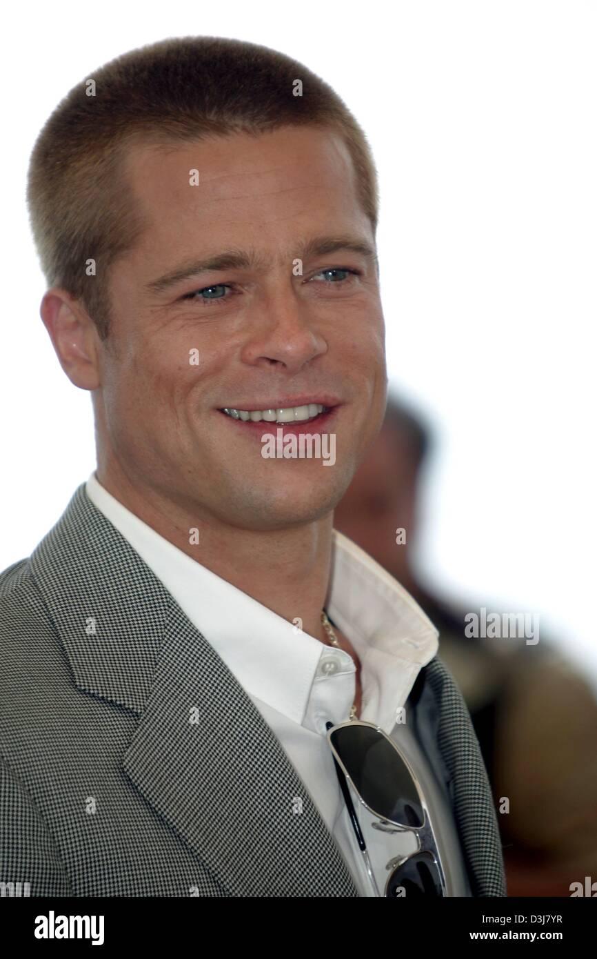 Dpa Hollywood Star Brad Pitt Presents His New Movie Troy At The Stock Photo Alamy