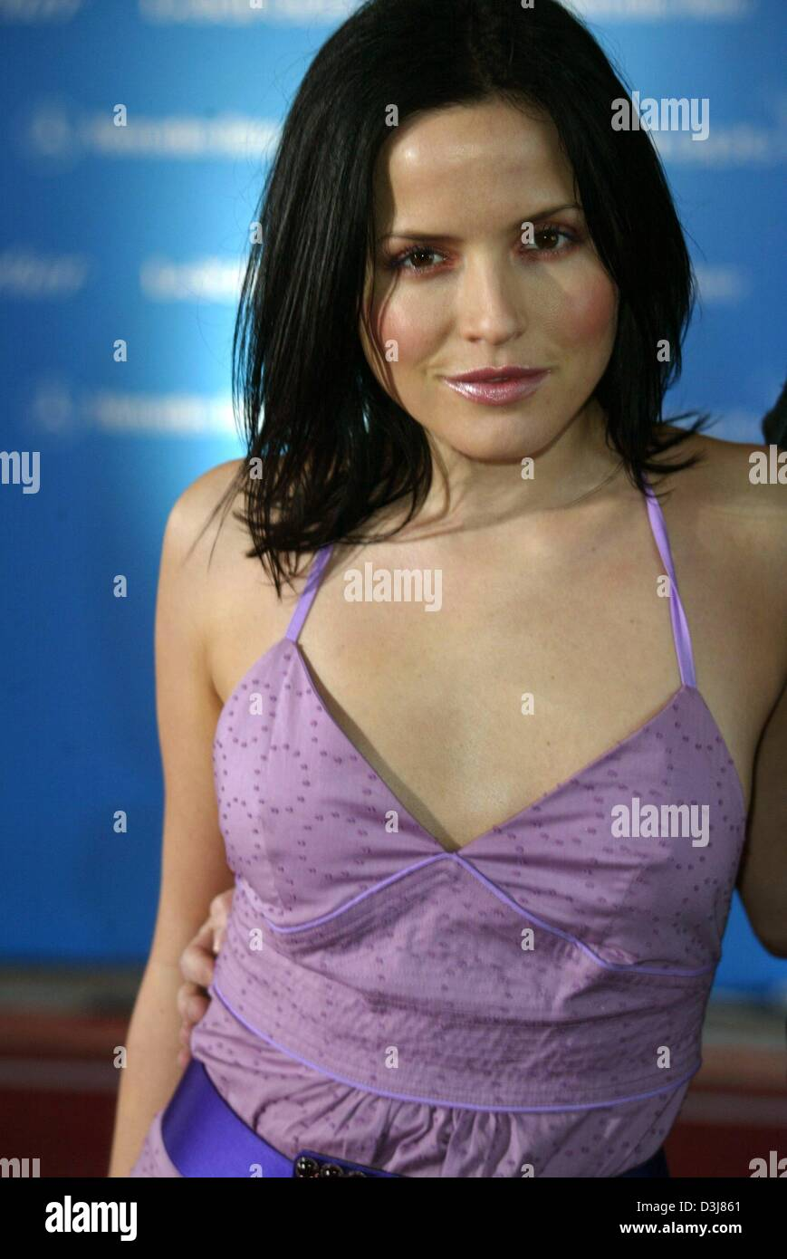 Pictures Andrea Corr nude (14 foto and video), Topless, Paparazzi, Feet, legs 2006
