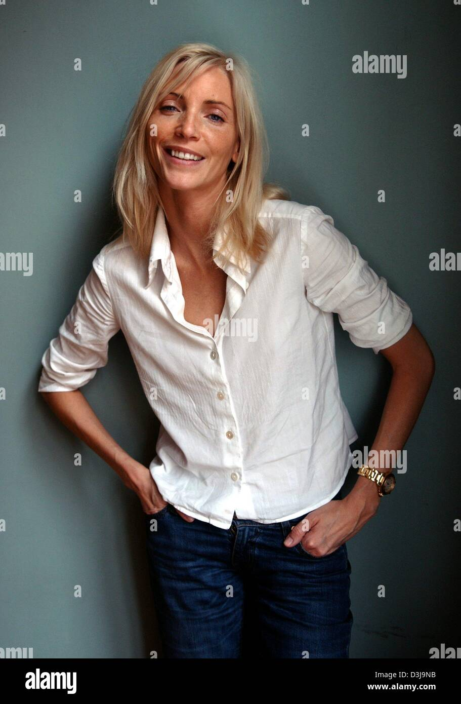 dpa german top model nadja auermann smiles as she poses dressed stock photo 53877863 alamy. Black Bedroom Furniture Sets. Home Design Ideas
