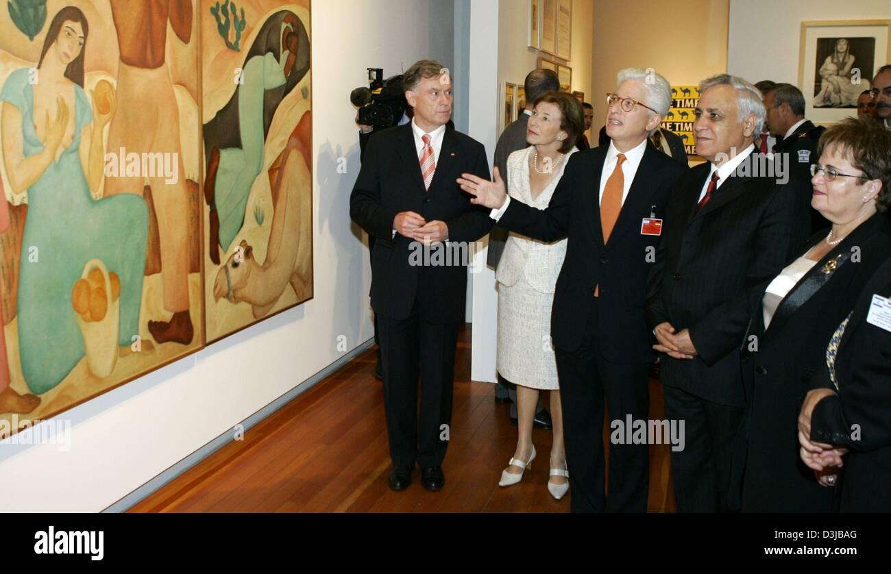 German President Horst Koehler (L) his wife Eva (2nd L) Israeli President Moshe Katsav (2nd R) and his wife Gila - Stock Image