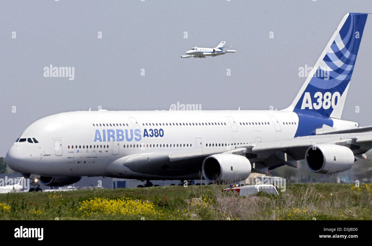 Two prototype Airbus A380 aircraft will soon be added to the exposition of French museums 25