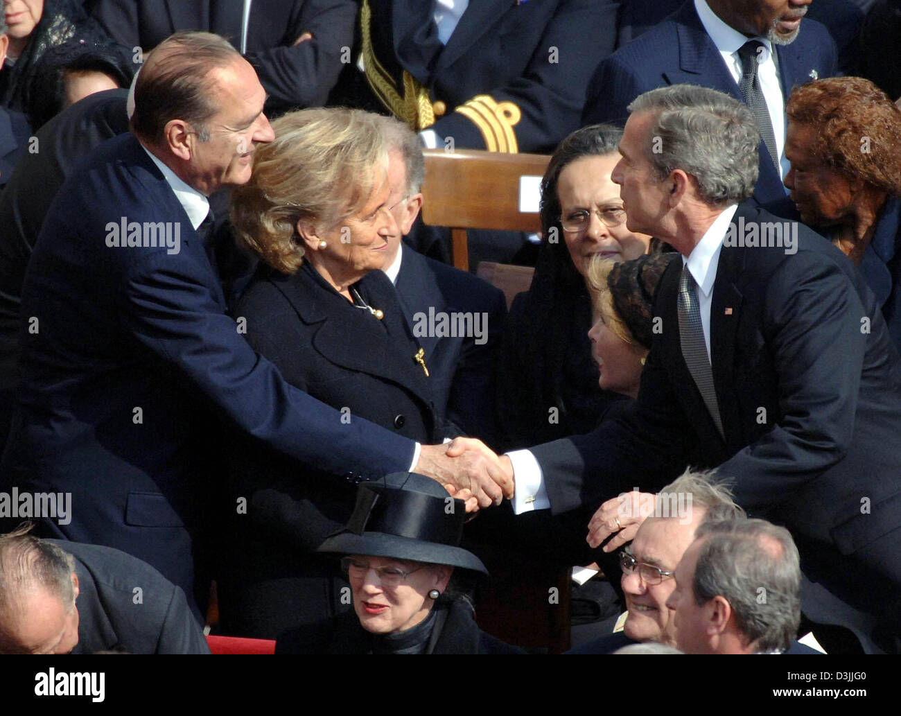 Dpa french president jacques chirac l and us president george dpa french president jacques chirac l and us president george w bush greet each other while chiracs wife bernadette stands next to chirac m4hsunfo