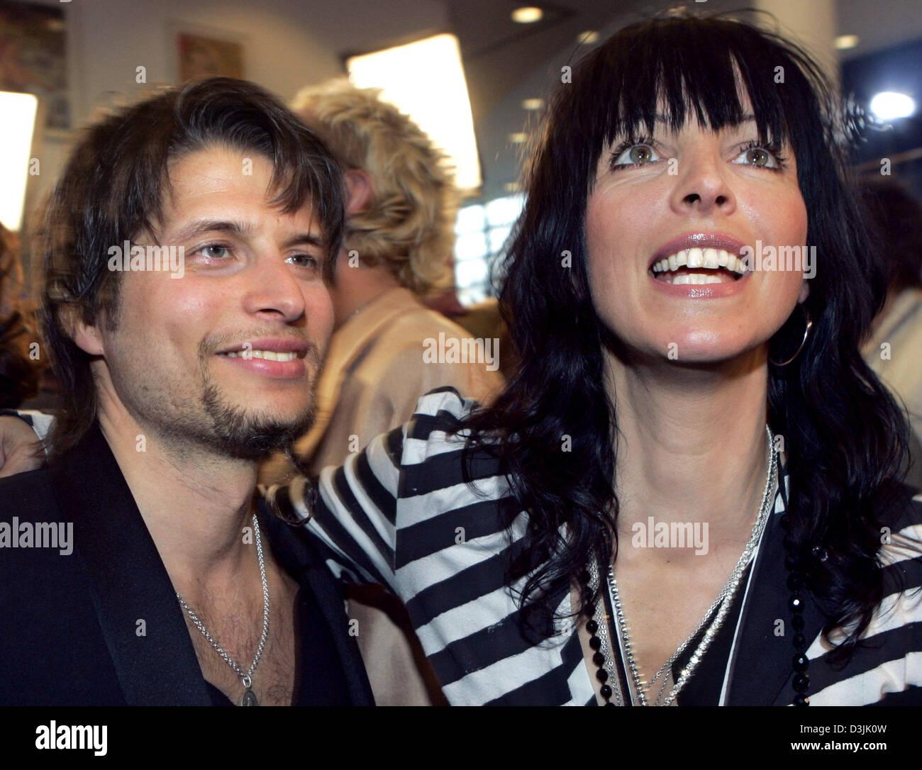 German Dpa Boyfriend Philipp r Her Singer Pop And Nena Palm ZBnBA1p