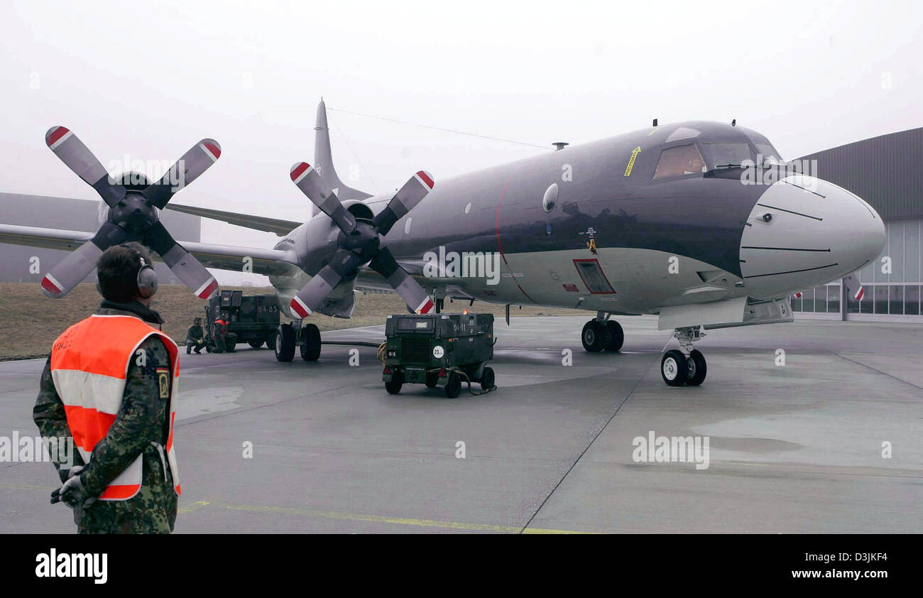 (dpa) - The new long-range reconaissance aircraft of the German navy of the 'P-3C Orion' type stands on the manoeuvring area at the navy aviator squadron 3 in Nordholz, near Cuxhaven, Germany, 18 March 2005. The German Bundeswehr bought eight used airplanes, which are 24 years old, from the Dutch military. They are supposed to replace the 'Breguet Atlantic' reconaissance planes, wh Stock Photo