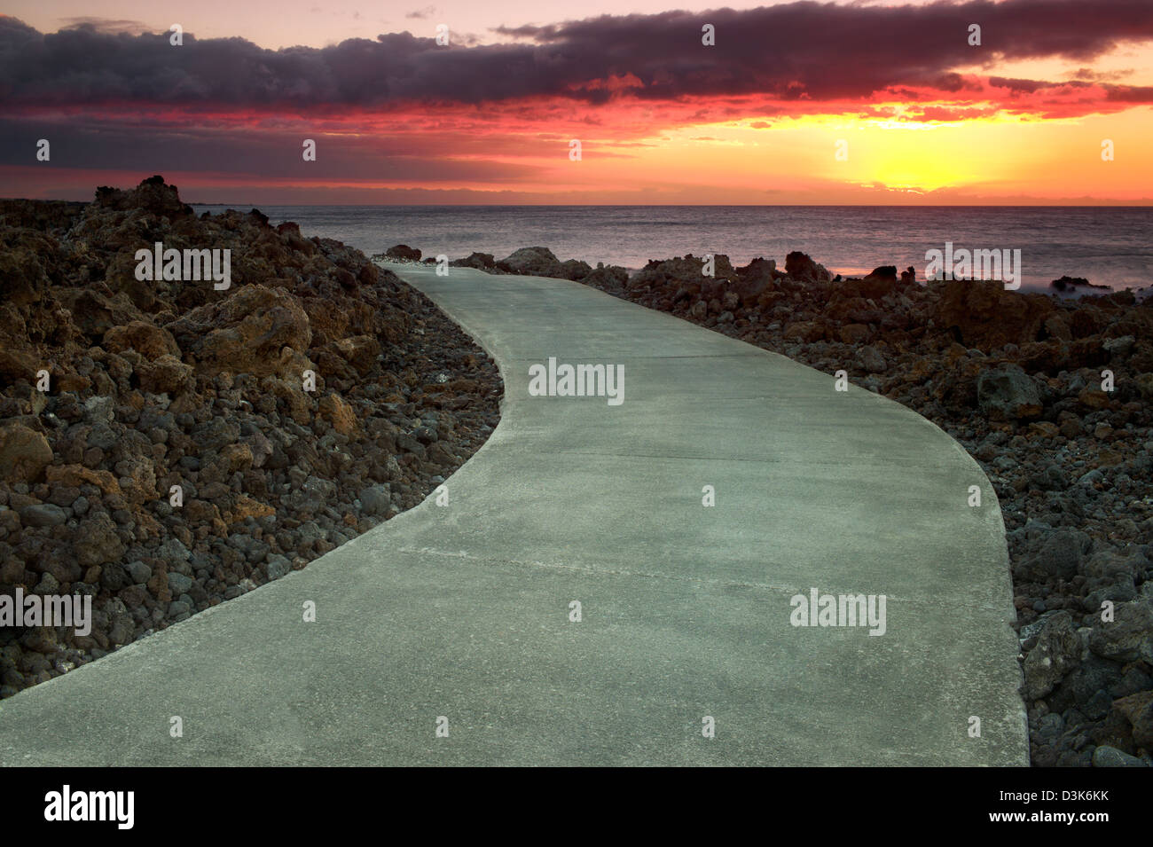 Path and ocean. The Kohala Coast, Hawaii, The Big Island. - Stock Image