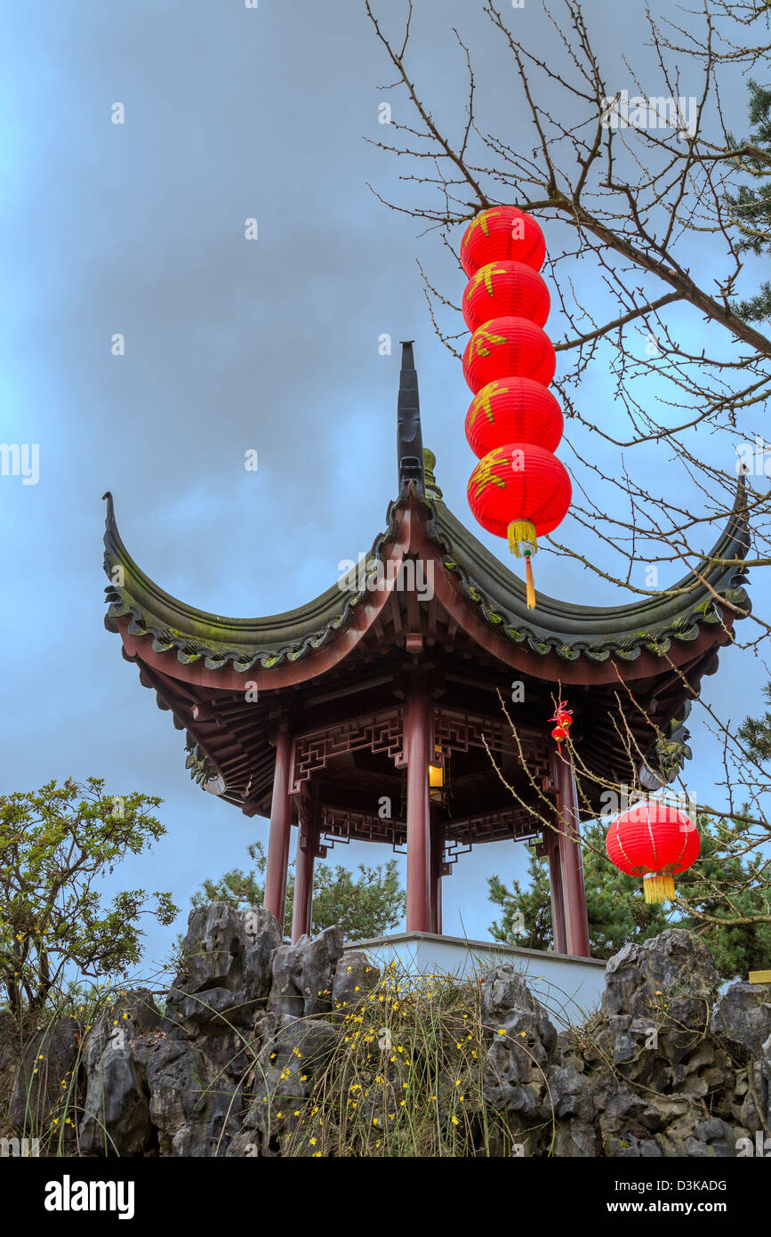 Red lanterns and pagoda, Dr Sun Yat Sen Park and Gardens, Chinatown, Vancouver, British Columbia, Canada Stock Photo