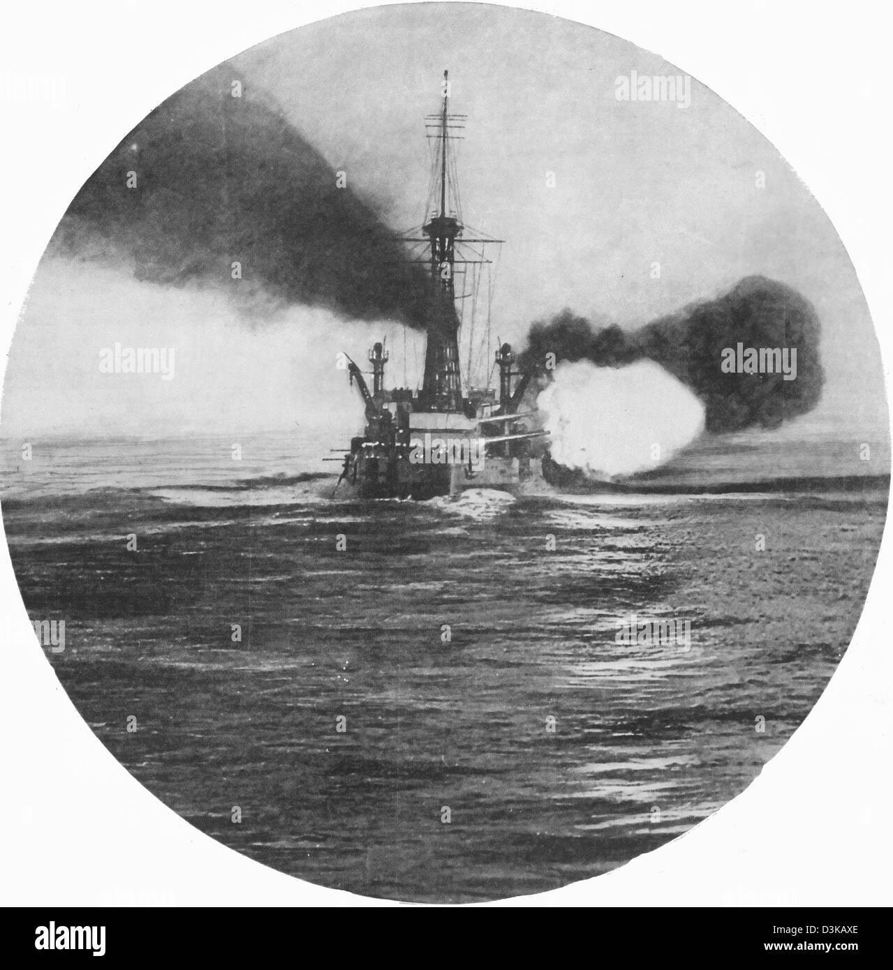 Battleship USS New York firing a broadsides near Guantanamo Bay in 1917 - Stock Image
