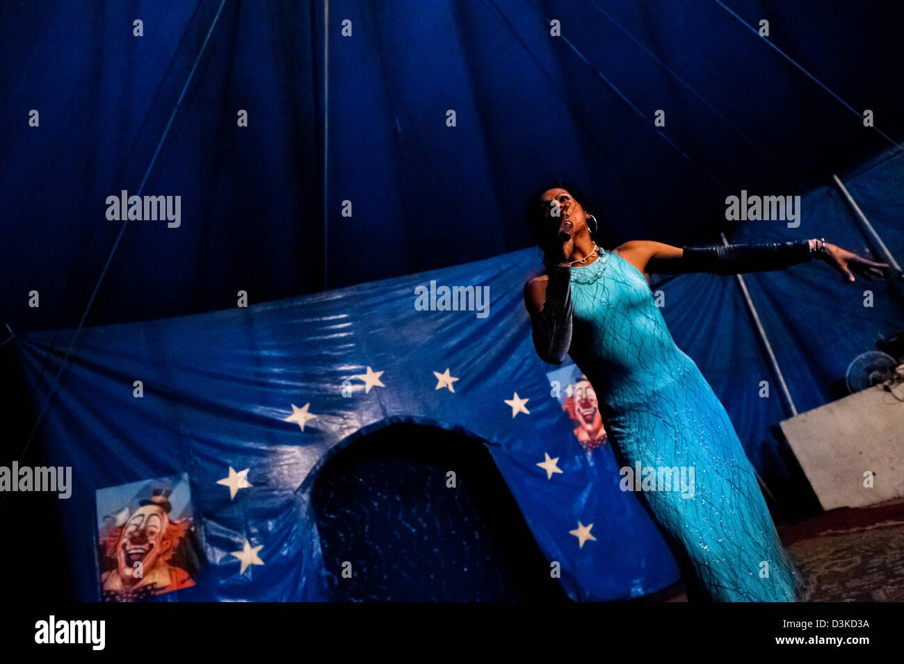 Enrique, a Salvadorean transvestite, performs at the Circo Brasilia, a family run circus travelling in Central America. - Stock Image