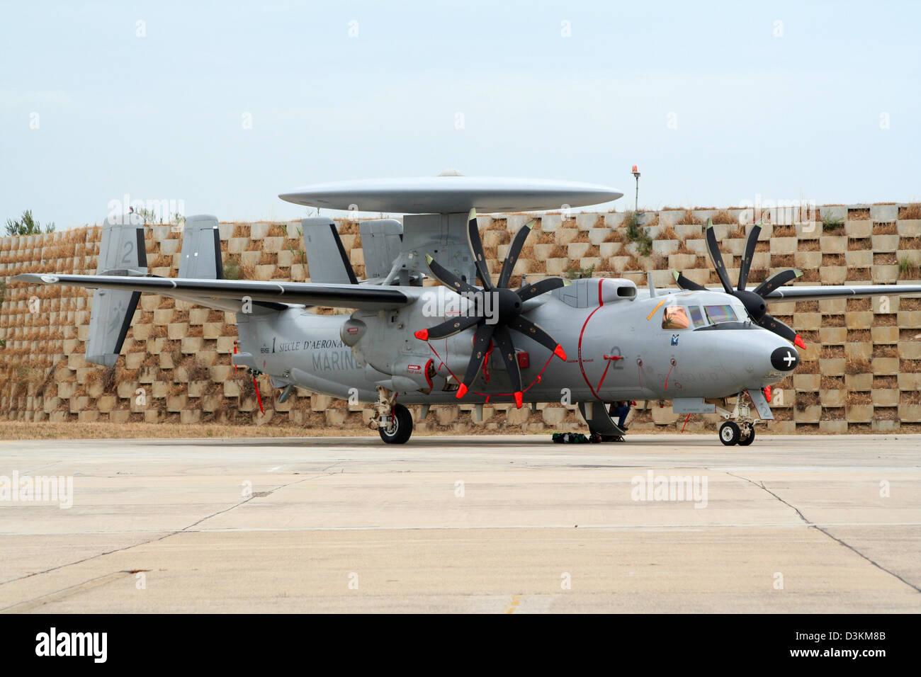 French Navy E-2 Hawkeye radar plane - Stock Image