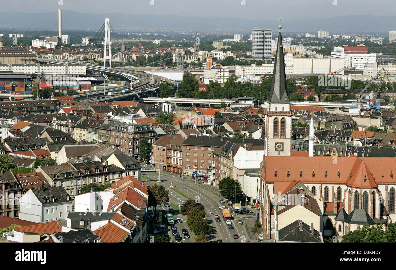 dpa) - The picture shows a view over downtown Mannheim