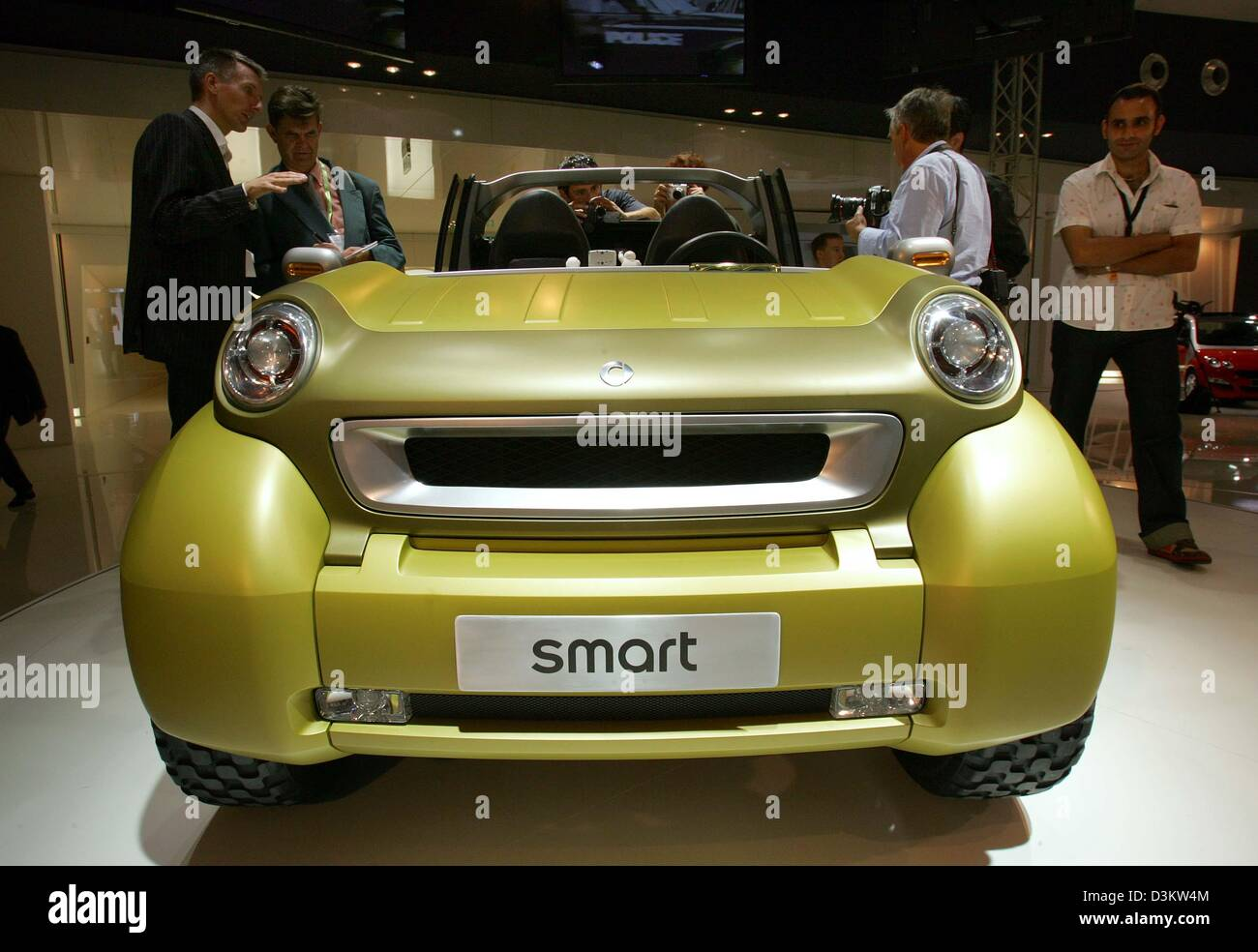 (dpa) - The picture shows Smart's new show car 'Crosstown' at the 61st International Motor Show (IAA) - Stock Image