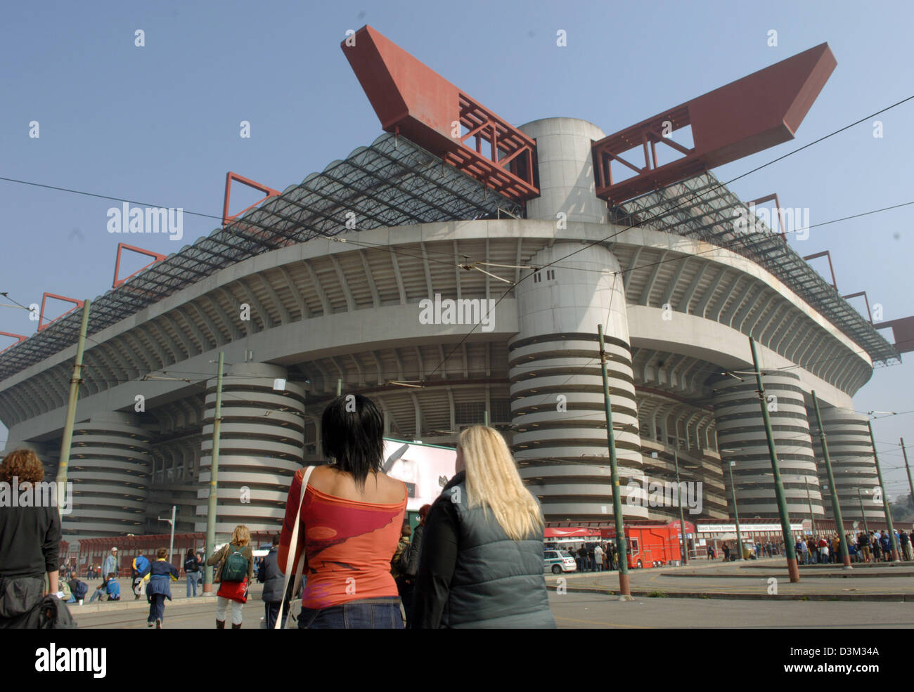 (dpa) - The picture shows the Giuseppe Meazza stadium in Milan San Siro, Italy, 16 October 2005. The second largest - Stock Image