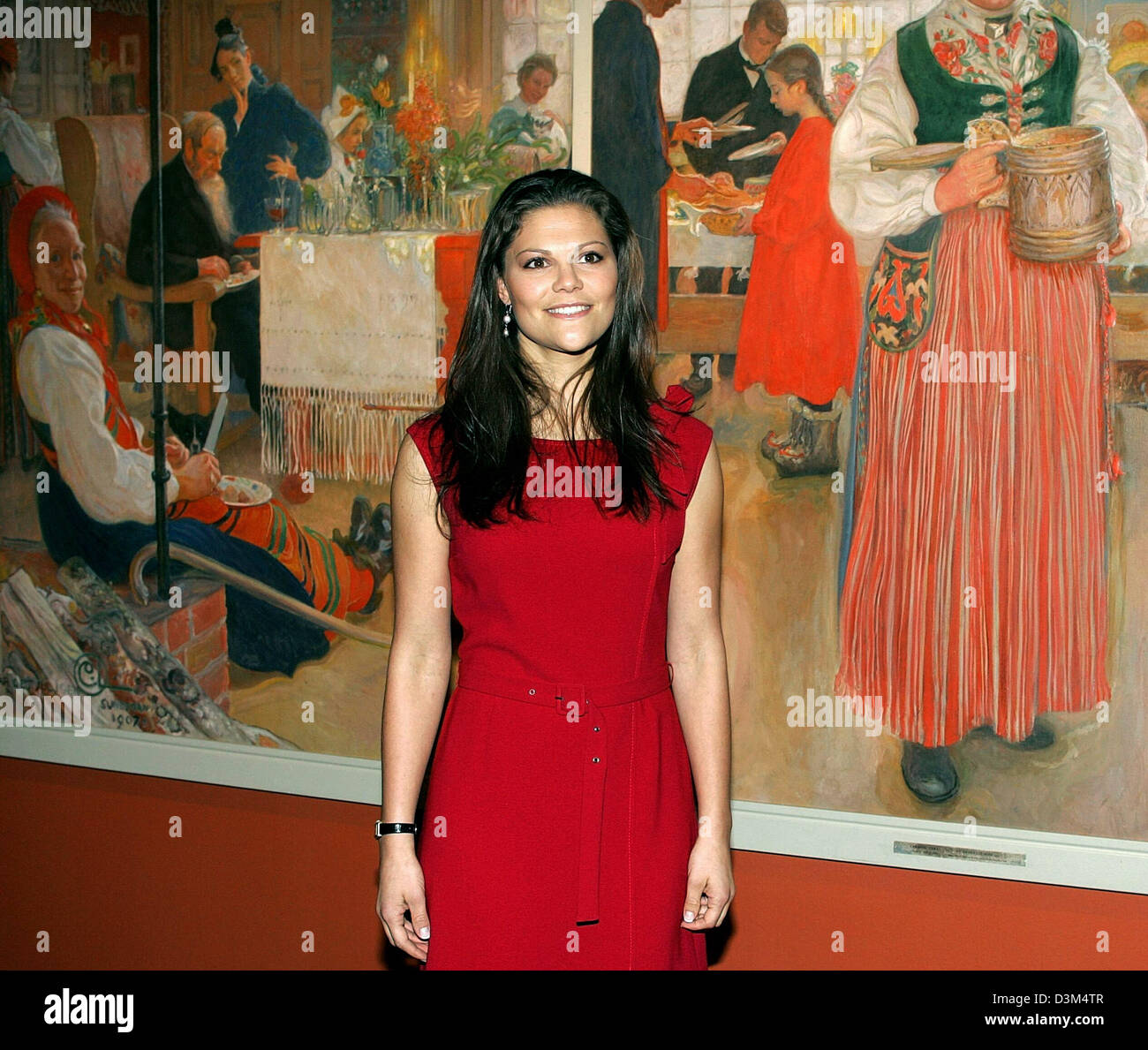 (dpa) - Crown Princess Victoria of Sweden poses in front of a painting during the opening of the exhibition 'Carl Stock Photo