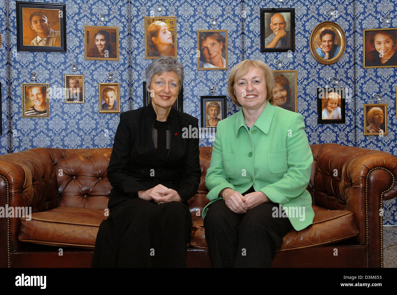 (dpa) - State minister Maria Boehmer (R), the German government's new  Commissioner for Migration, Refugees - Stock Image