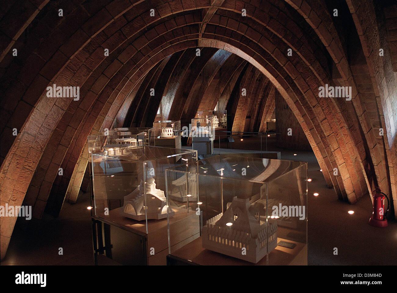 (dpa file) - The picture shows a loft in renowned architect Antoni Gaudi's (1852-1926) 'Casa Mila' in - Stock Image