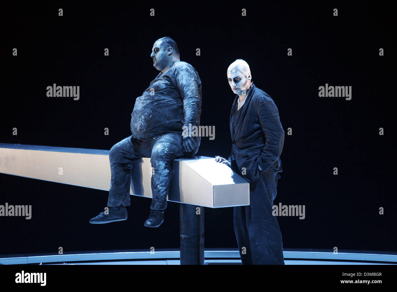 (dpa) - Robert Woerle playing the part of sly and Georg Nigl as Faustus play a scene from the opera 'Faustus, - Stock Image