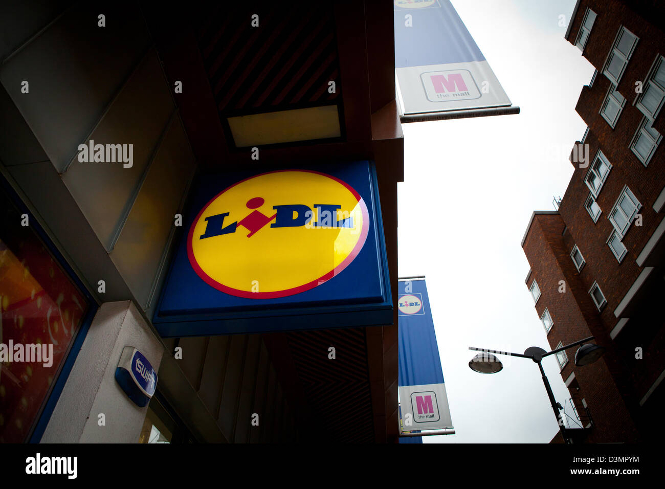 Lidl Supermarket Stock Photo 53932136 - Alamy-1681