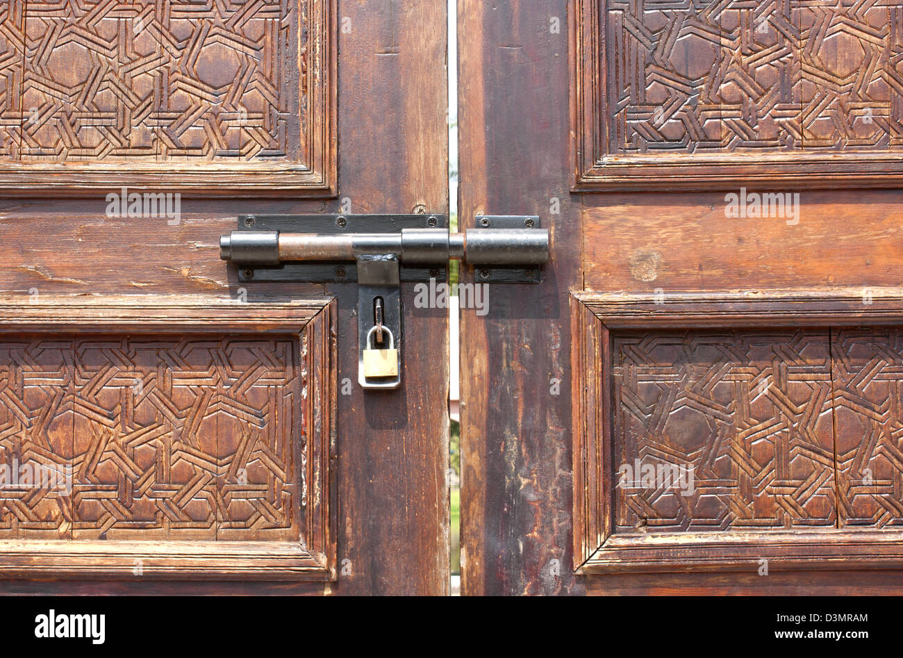 Old fashioned door key stock photos old fashioned door - Old fashioned interior door locks ...