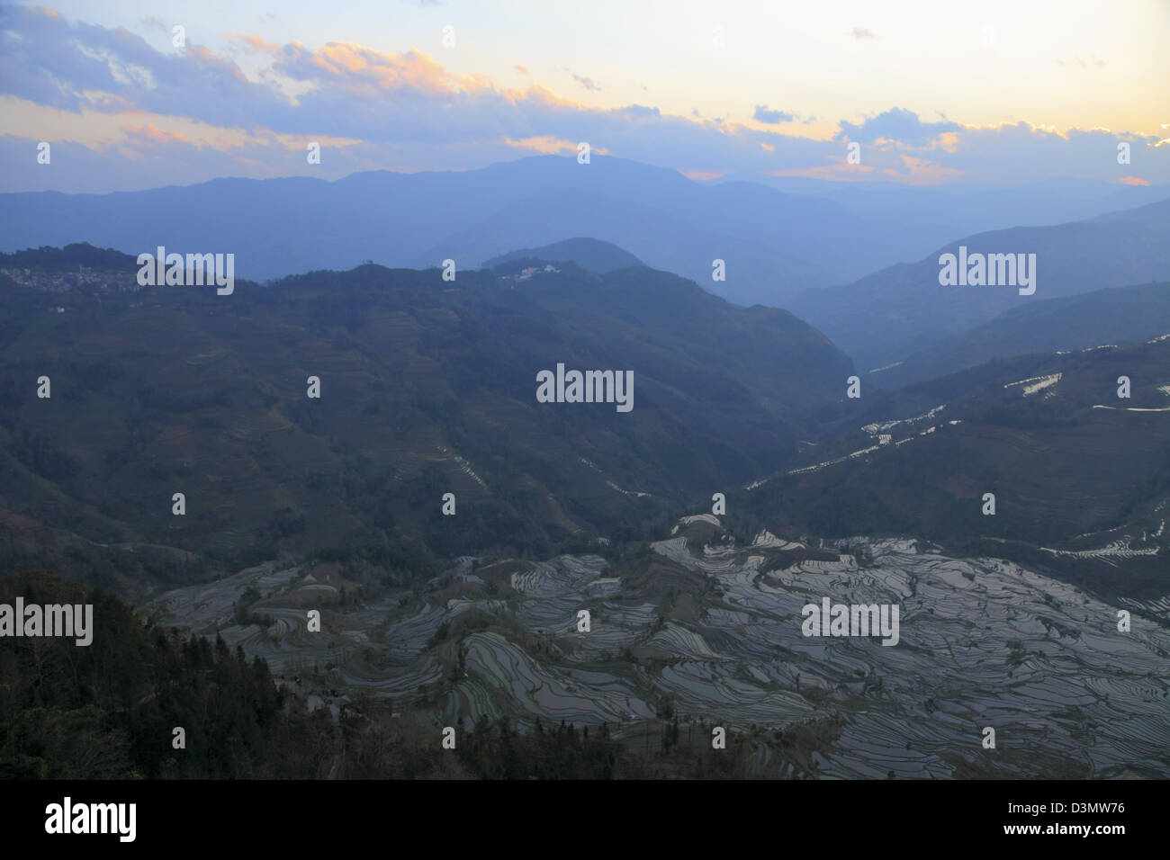 China, Yunnan, Yuanyang, Laohuzui, rice terraces, - Stock Image