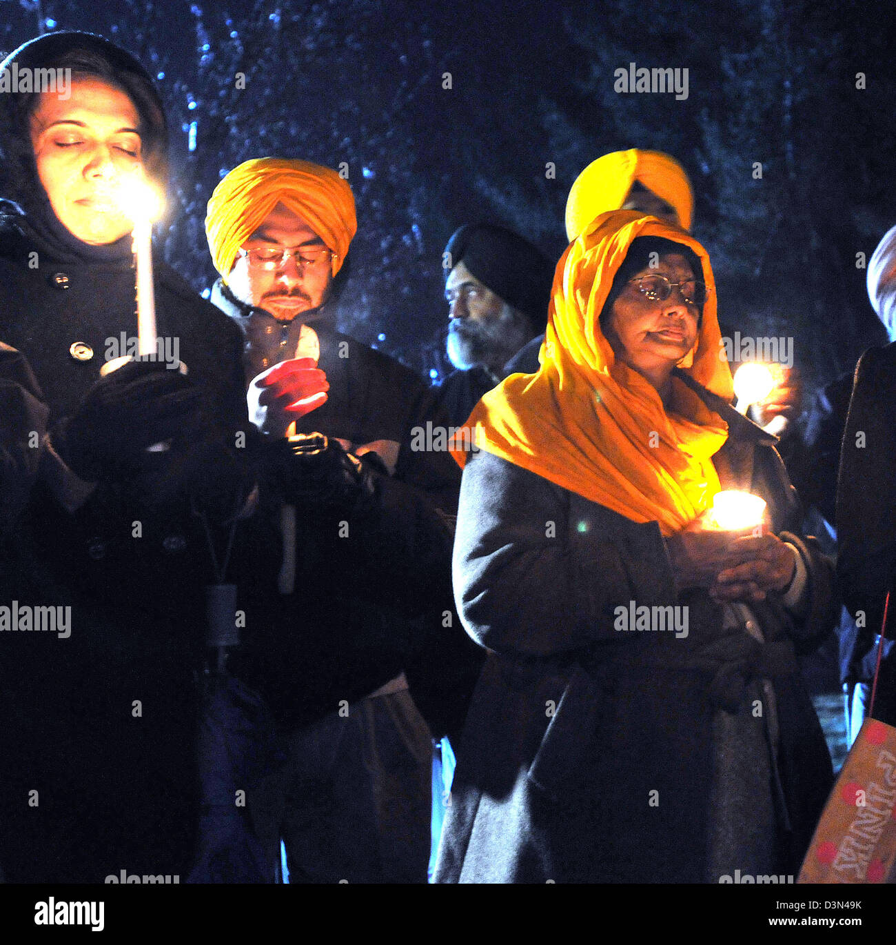 Sikhs participate in a vigil for the victims of the Sandy Hook, Newtown massacre - Stock Image
