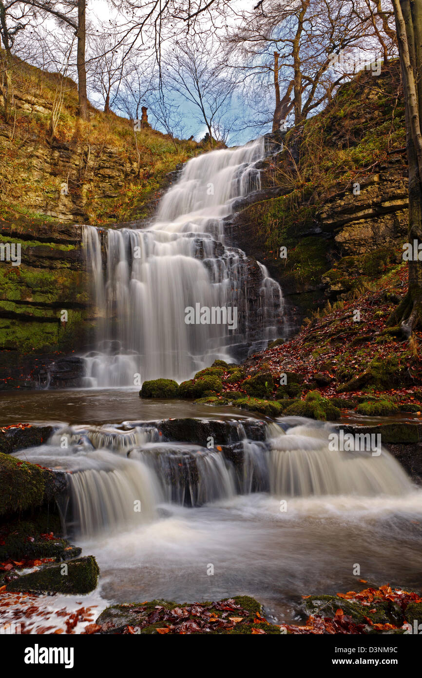 The main drop of Scalebar Force waterfall in the Yorkshire Dales - Stock Image