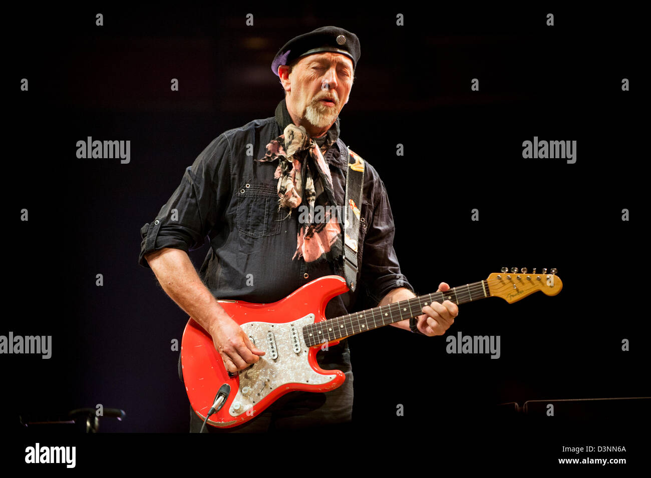Birmingham, UK. 21st February 2013.  Singer-songwriter and guitarist Richard Thompson with his Electric Trio in - Stock Image