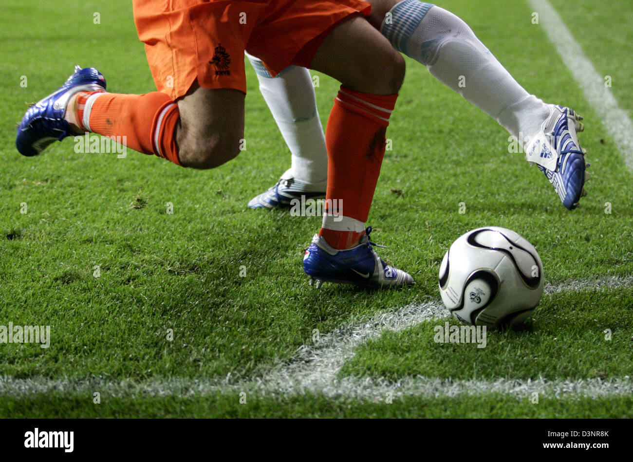 An Argentinian national soccer player (R) and a Dutch player vie for the ball during the FIFA World Cup 2006 Group - Stock Image