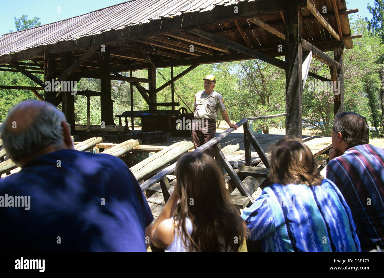 An interpreter tells the famous story of Sutter's Mill at Marshall Gold Discovery State Historic Park, Coloma, - Stock Image
