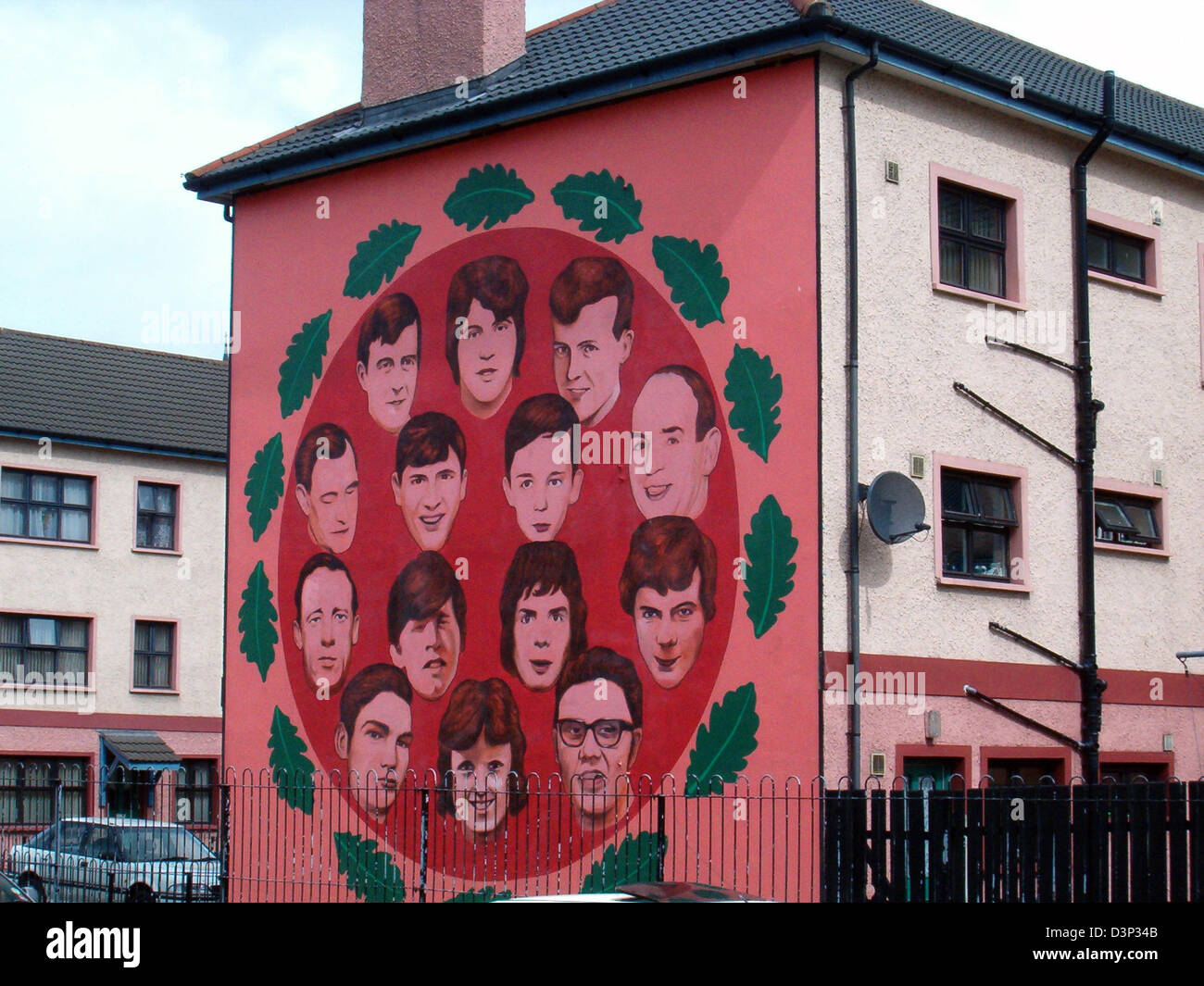 (dpa file) - A mural painting reminds of the vicitms of 'Bloody Sunday' in Londonderry, Northern Ireland, - Stock Image