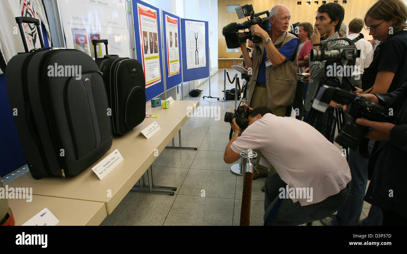 The two suitcase bombs seized two weeks ago are presented at a joint press conference of Federal Attourney's - Stock Image