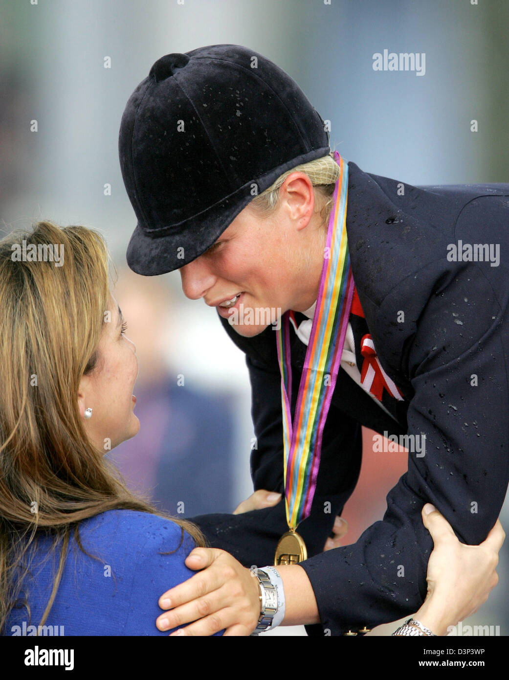 British Zara Phillips, daughter of Princess Anne, is awarded the gold medal by Princess Haya of Jordan after her - Stock Image