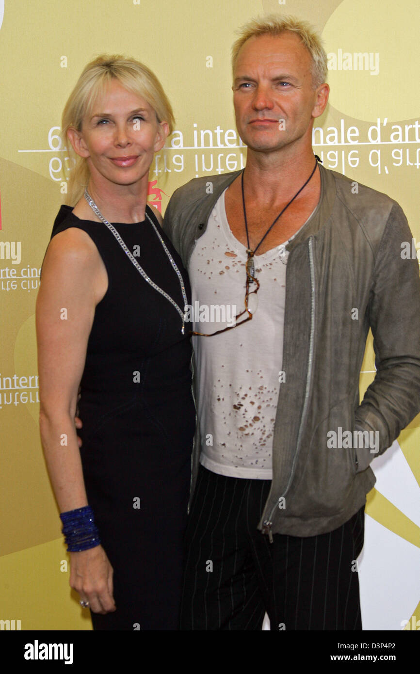 British musician, actor and producer Sting (R) and his wife, actress and producer Trudie Styler smile for the cameras at a photocall for their film 'A Guide To Recognizing Your Saints' at the 63rd Venice Film Festival in Venice, Italy, Sunday, 03 September 2006. Photo: Hubert Boesl Stock Photo