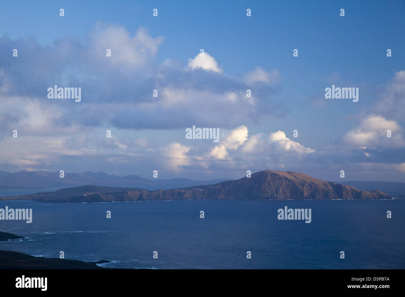Clare Island seen from Achill Island, Clew Bay, County Mayo, Ireland. - Stock Image