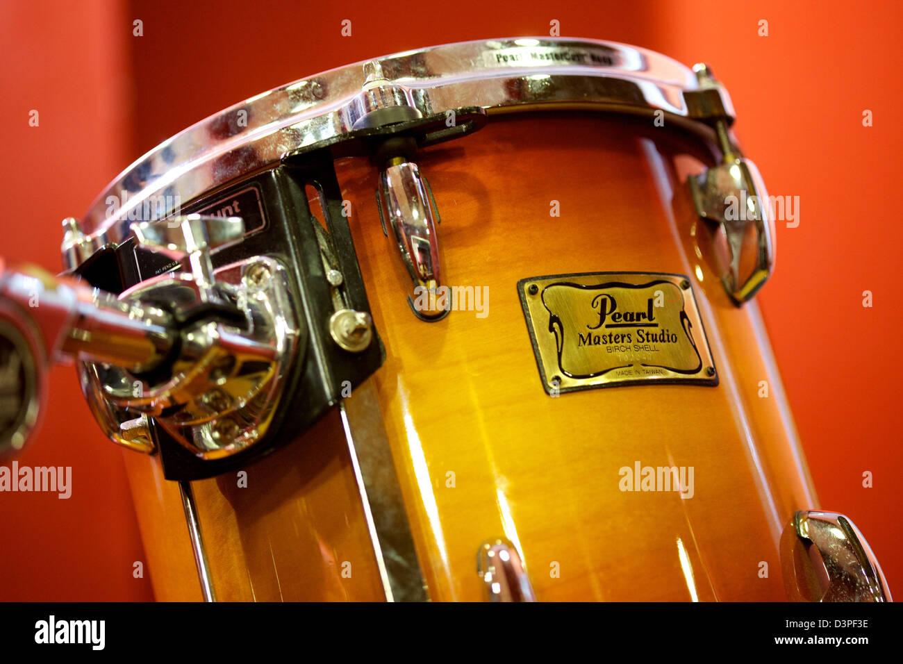 Pearl Drum Set Stock Photos Pearl Drum Set Stock Images Alamy