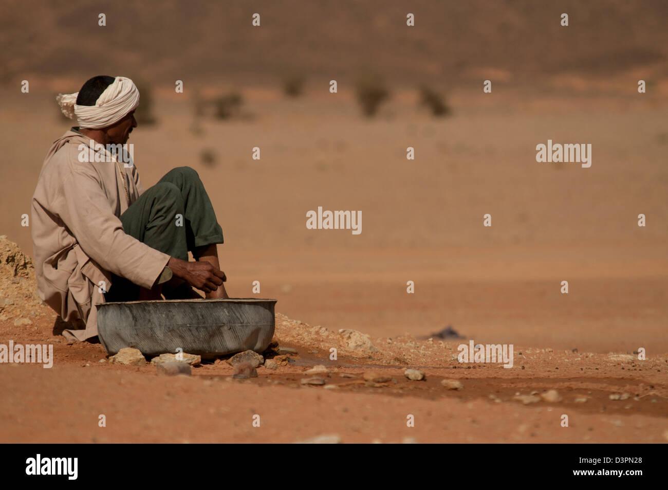 attesa, waiting, pausa, pause, silenzio, silence, rilassamento, relax,deserto, desert, contemplazione, contemplation - Stock Image