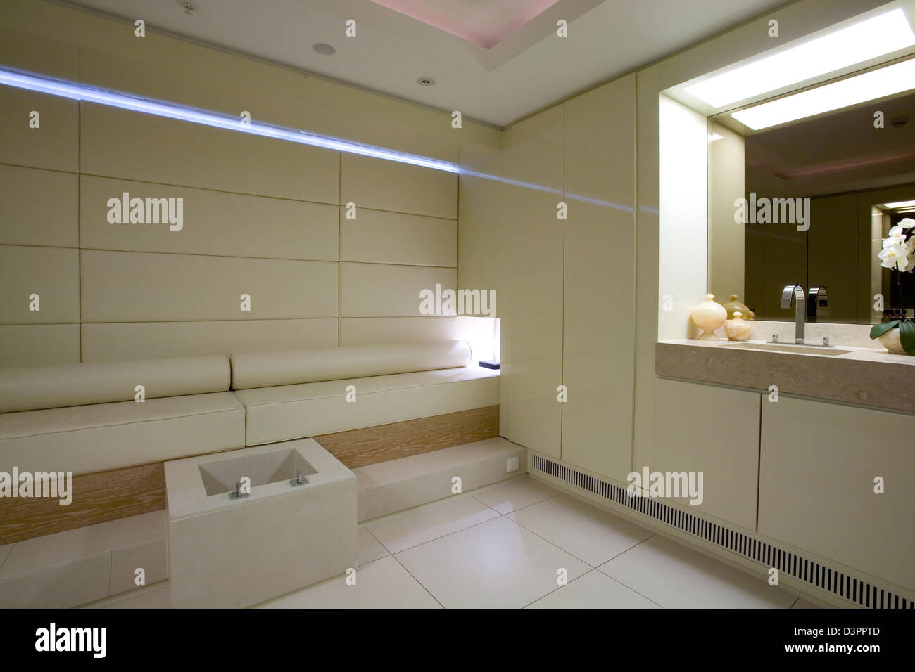 Berlin, Germany, a treatment room in the Adlon Day Spa - Stock Image