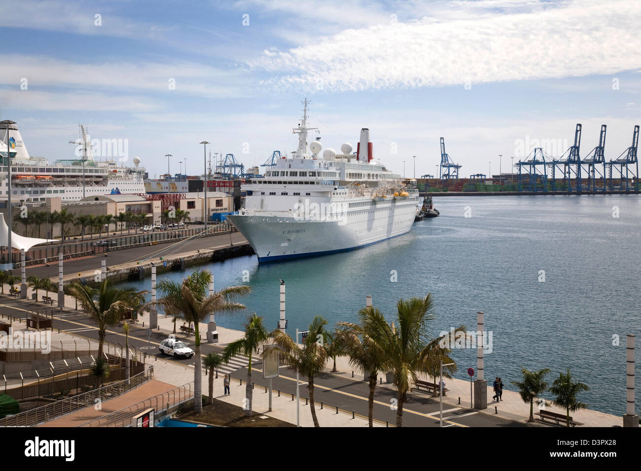 Canaries cruise ship stock photos canaries cruise ship stock images alamy - Port of las palmas gran canaria ...
