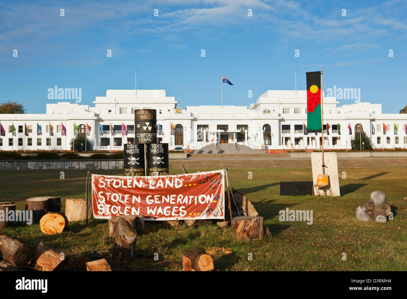 Aboriginal Tent Embassy in front of the Old Parliament House.  Canberra, Australian Capital Territory (ACT), Australia - Stock Image