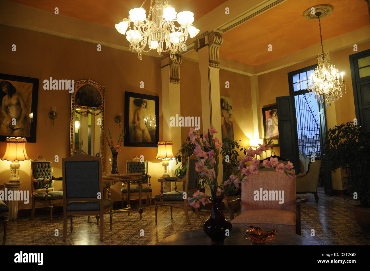 Casa Particular 'Casa Habana' with beuatiful furniture, old town Havana - Stock Image