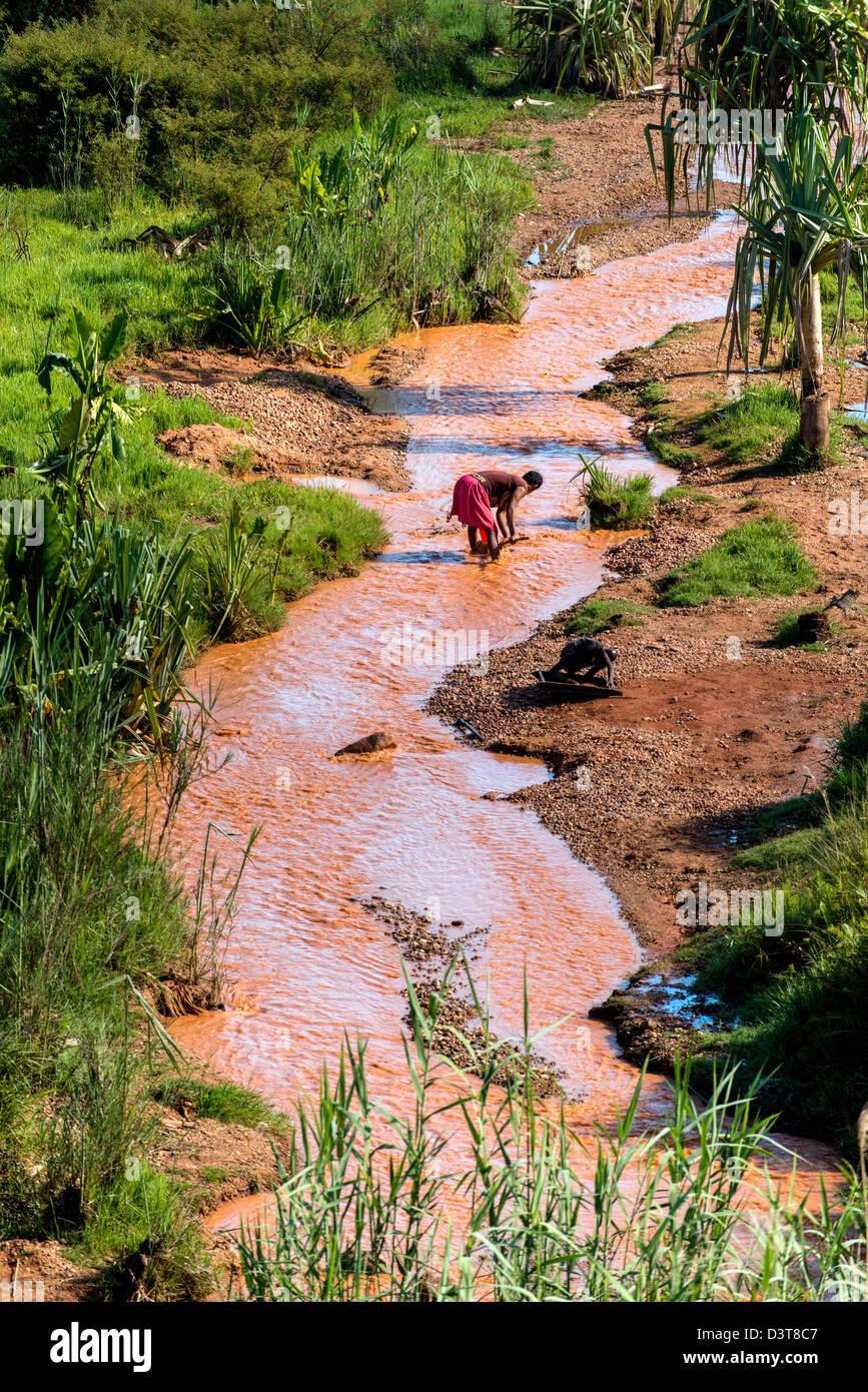 Gold panning Ilakaka Madagascar - Stock Image