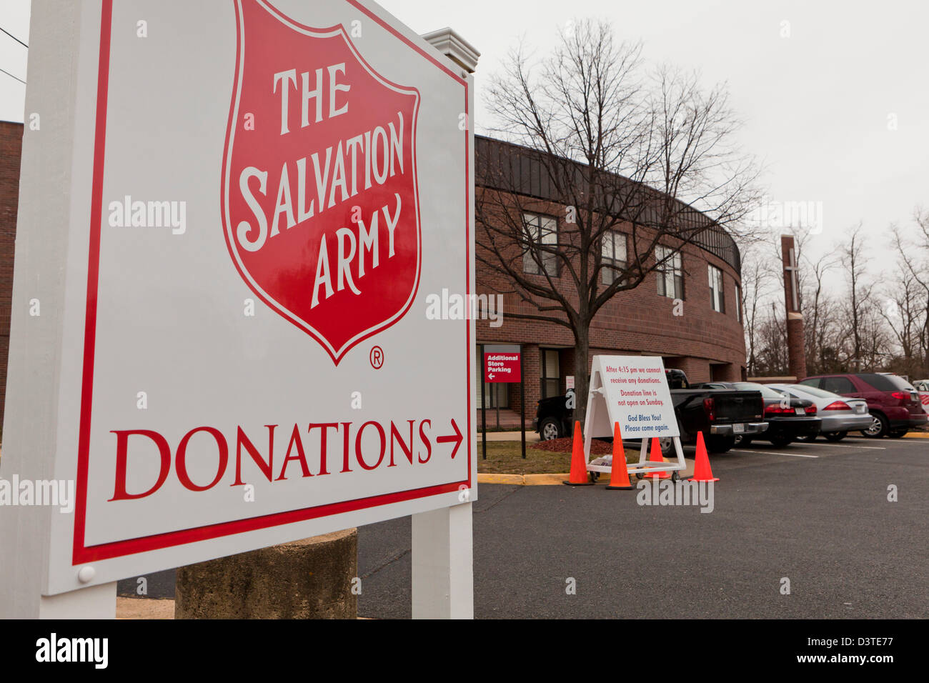 The Salvation Army donation center sign - Virginia USA - Stock Image