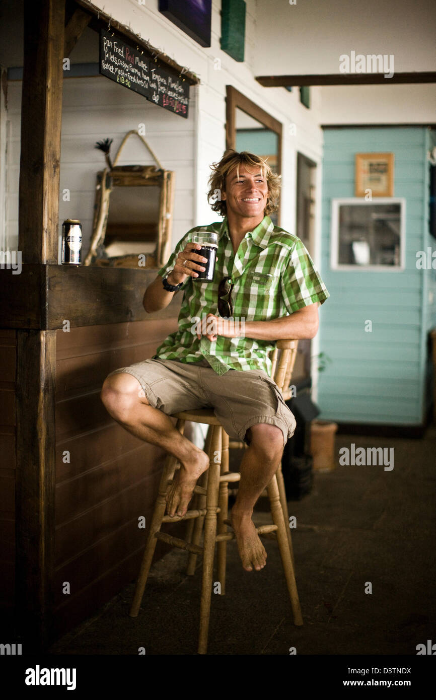 Amazing Surf Dude Sitting At Bar Drink Beer St Agnes Cornwall Uk Gamerscity Chair Design For Home Gamerscityorg