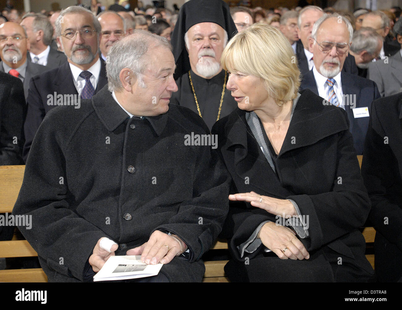The President of the synod of the Evangelical Church in Germany (EKD) Barbara Rinke (R) chats with Bavarian Minister - Stock Image