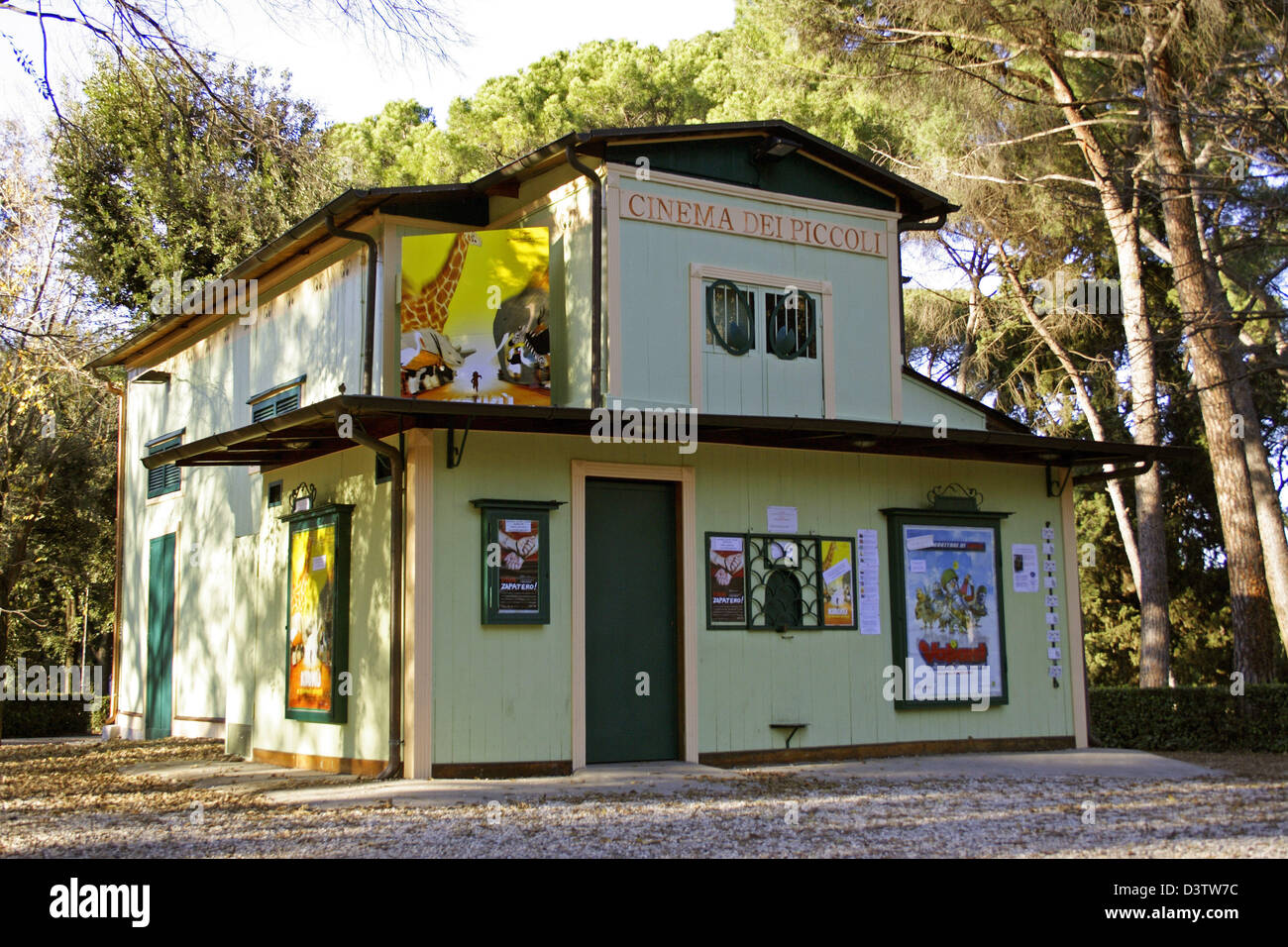 (dpa File)   The Picture Shows The Worldu0027s Smallest Cinema At Villa  Borgheseu0027s Parc In Rome, Italy, 18 December 2005. The Mini U0027Cinema Dei  Piccoliu0027 Is ...