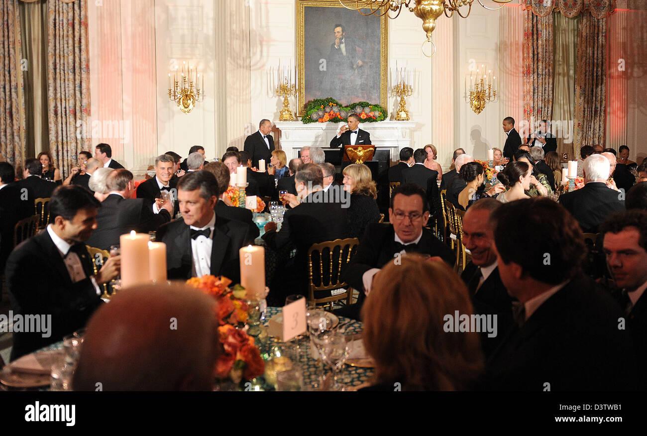 Washington DC, USA. 24th February 2013. United States President Barack Obama offers a toast during the National - Stock Image