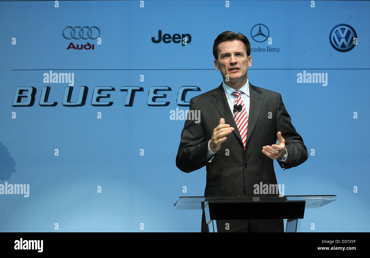 VW brand chairman Wolfgang Bernhard holds a speach on the BLUETEC Diesel initiative by Mercedes-Benz, Audi, Volkswagen - Stock Image
