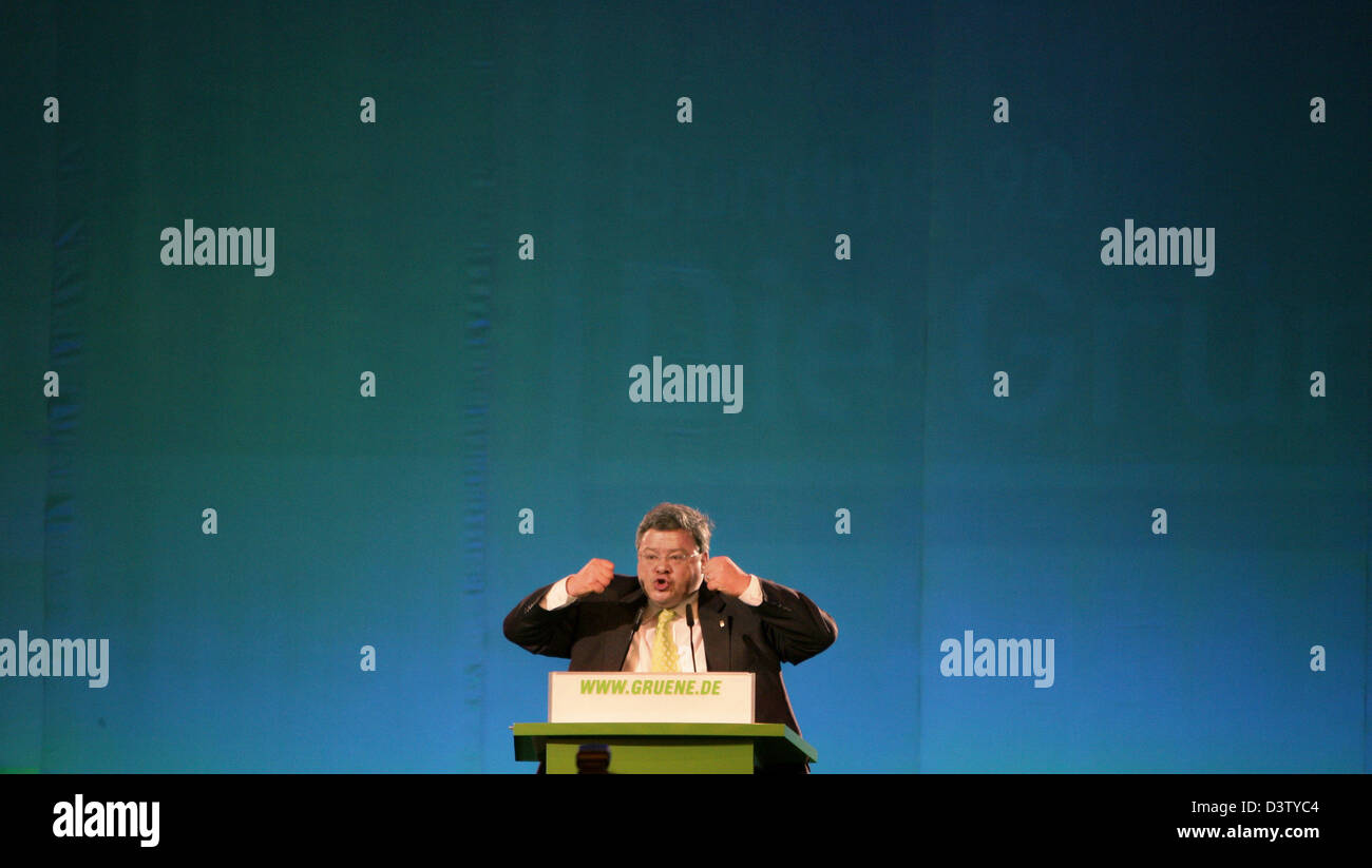 Chair of the German Greens Reinhard Beutikofer speaks to the delegates at the federal congress in Cologne, Germany, - Stock Image