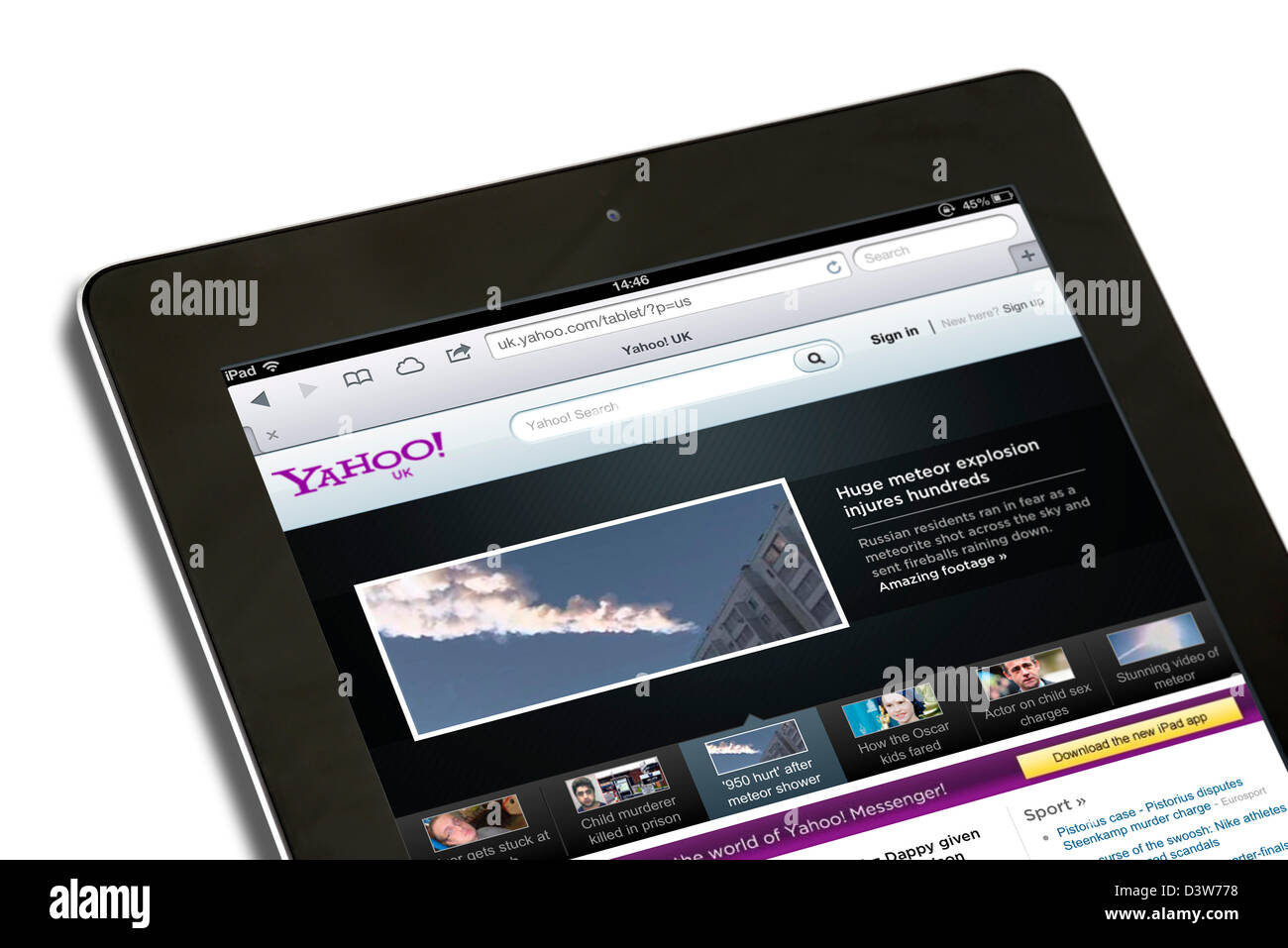 Yahoo UK search and front page viewed on a 4th generation iPad - Stock Image