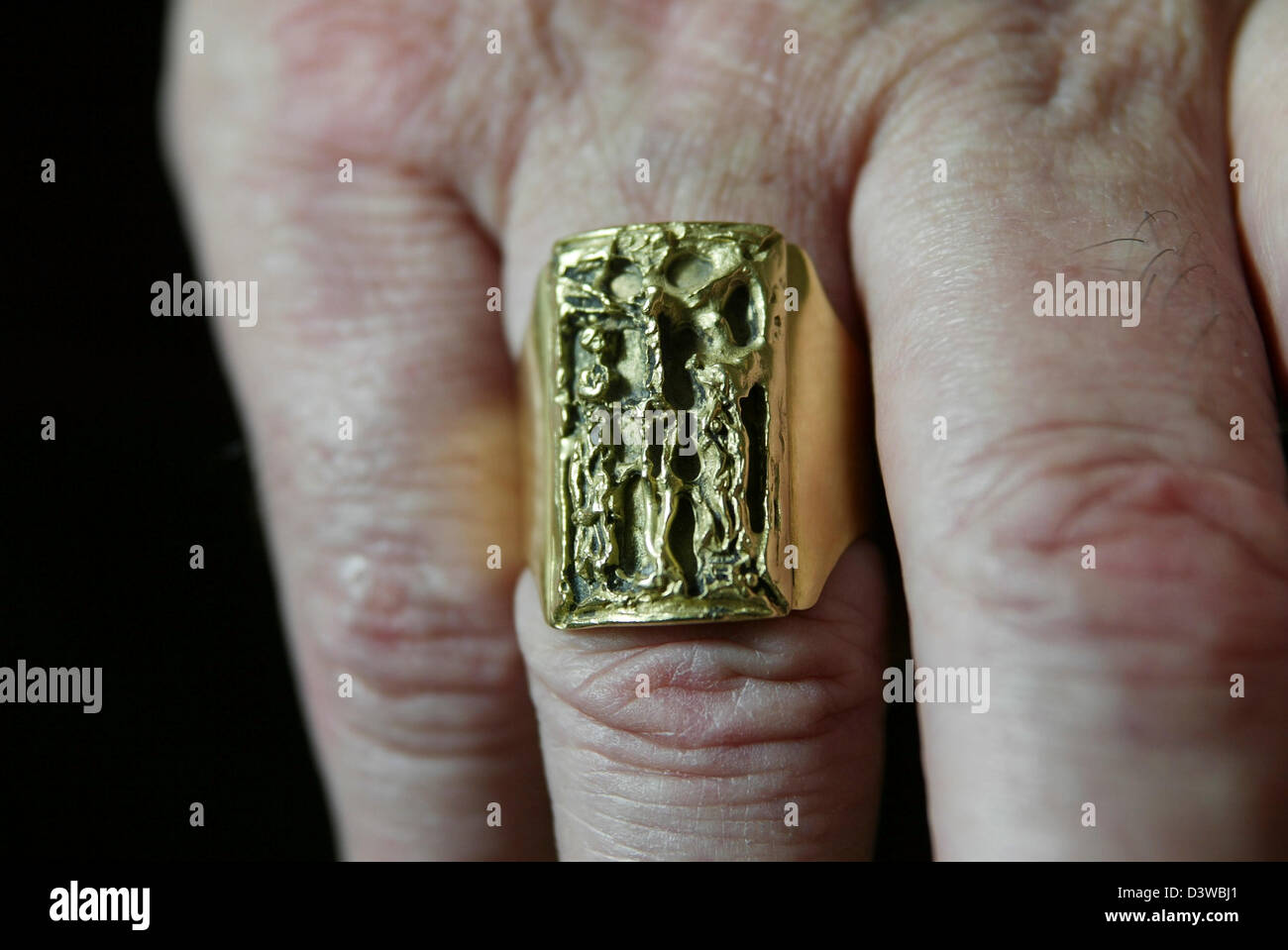 The ring worn by Cardinal Keith O'Brien, the most senior Roman Catholic cleric in Scotland Stock Photo