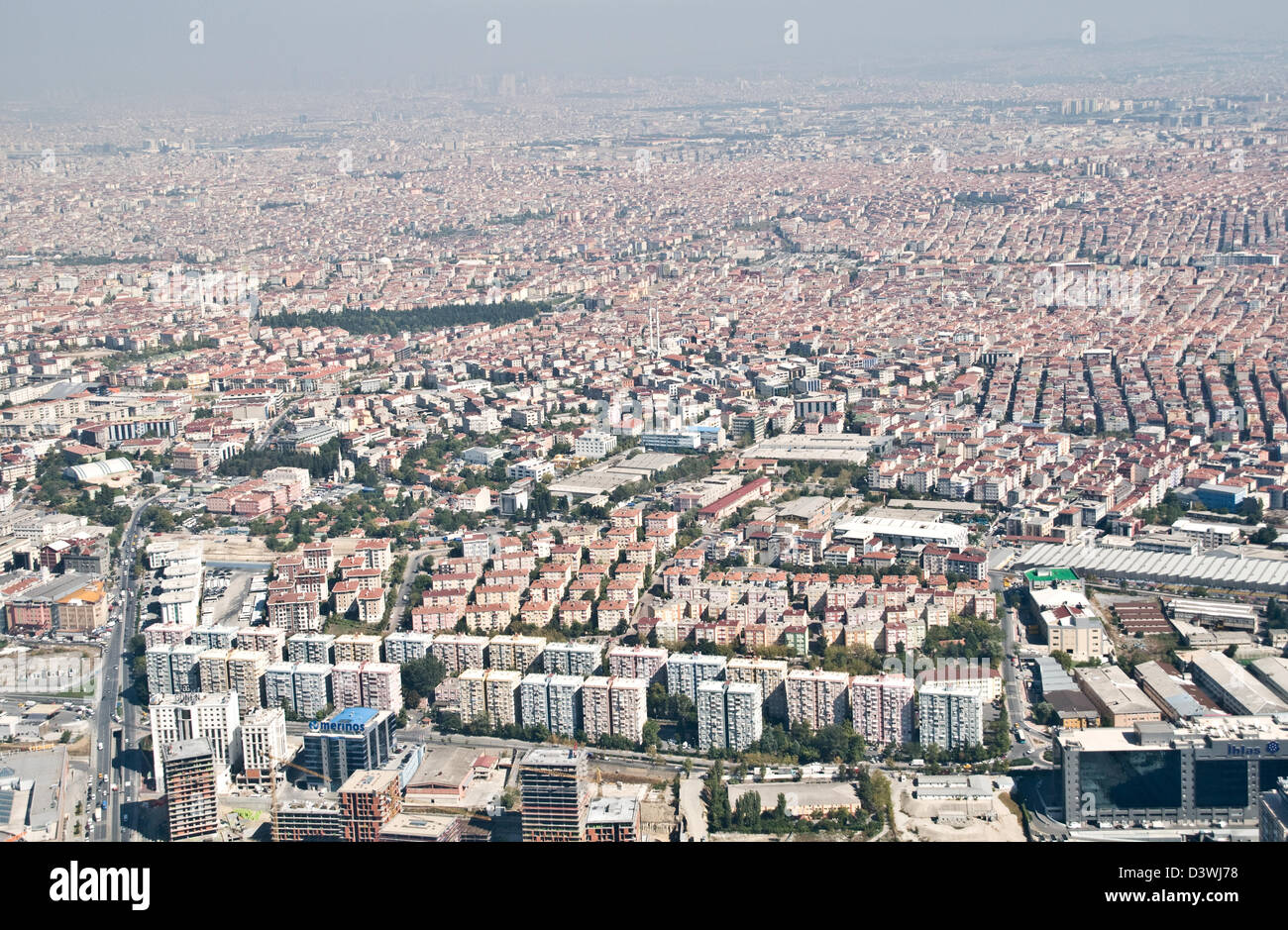 An aerial view of the sprawling western suburbs of the city of Istanbul, Turkey. - Stock Image